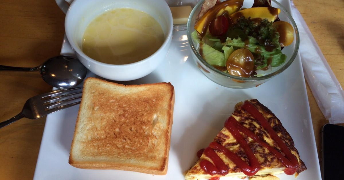 軽井沢の朝食ならカフェイーナ